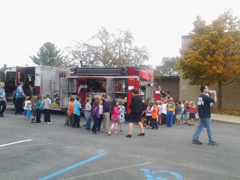 Selkirk FD Visits Glenmont School For Fire Prevention Training