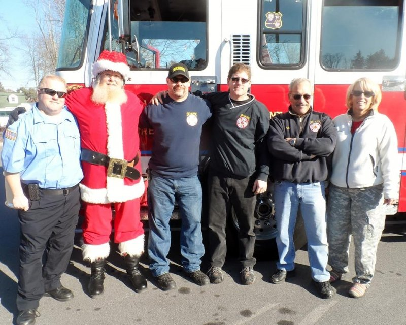 Selkirk FD Participates In XMAS Cards For Troops 2013