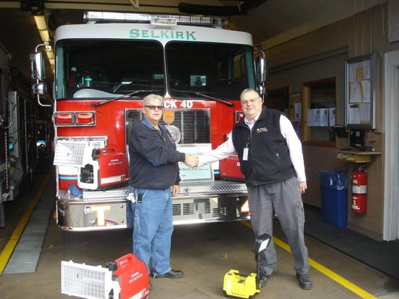 Selkirk FD Receives Donation From PSEG
