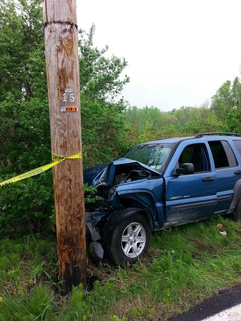 Selkirk FD Reponds To Single Car Accident