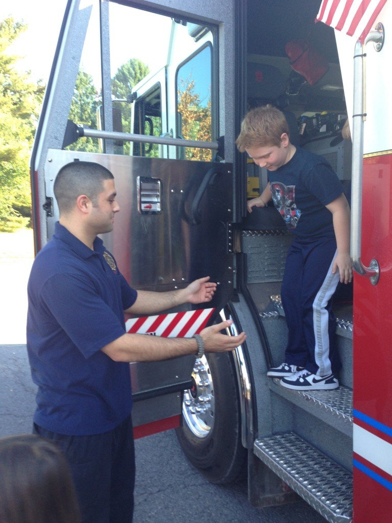 Selkirk FD Visits Glenmont School For Fire Prevention Week