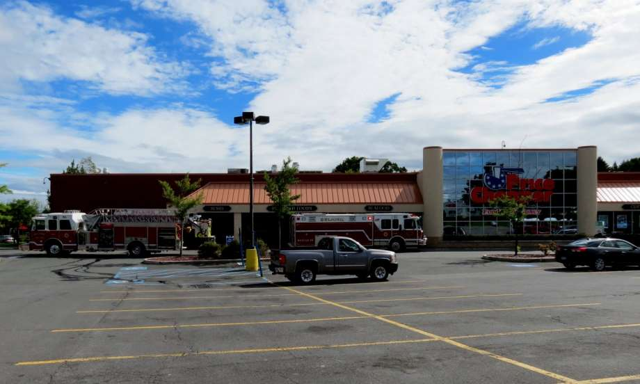 Selkirk FD Responds To Glenmont Price Chopper – Carbon Monoxide Alarm