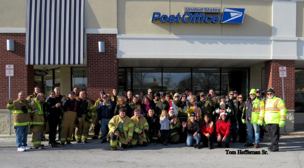 Selkirk FD Participates In 2018 Cards For Troops Event
